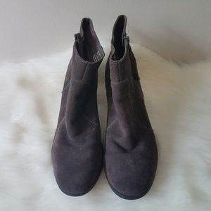 Bass Shoes - Bass maxine leather ankle boots size 9
